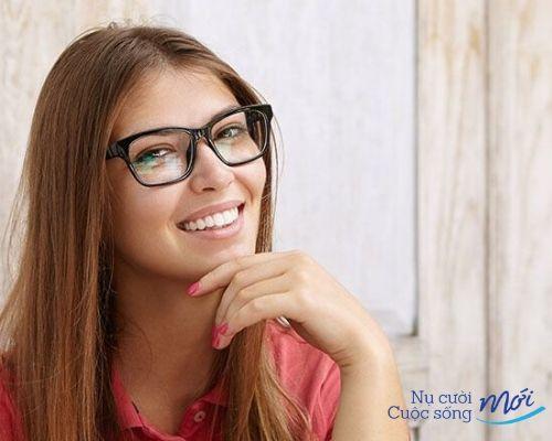 Mặt trái tim đeo kính gì 4